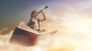book girl view 320x180 - 仕事・制作実績や作品を書籍・メディア等に掲載してもらう方法「デザイナーとしての価値を上げる」