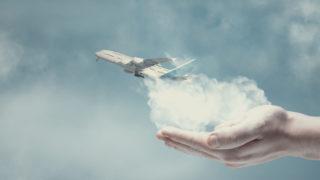hand airplane sky 320x180 - デザイナー (クリエイター) の独立・起業ノウハウについて知る。