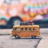 bus yellow 100x100 - デザイン系の民間スクールでデザインを学ぶ方法・手順とメリット・デメリット
