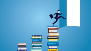 human book door 320x180 - ポートフォリオ作りに役立つ書籍・本まとめ「デザイナーにおすすめ」