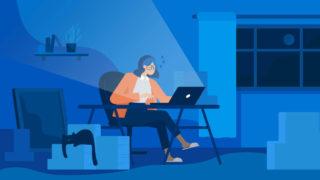 woman pc alone 320x180 - ポートフォリオの印刷方法「一番おすすめはラクスル」